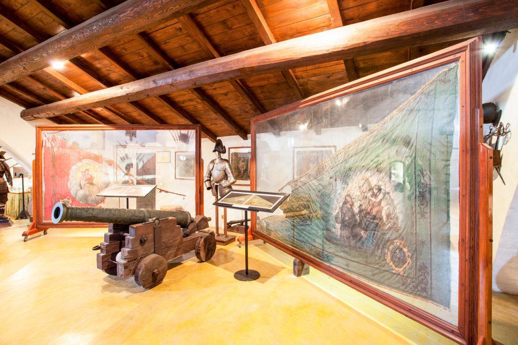 Le Bandiere della battaglia di Lepanto (Museo del Castello di Rivalta - Sala d'Armi)