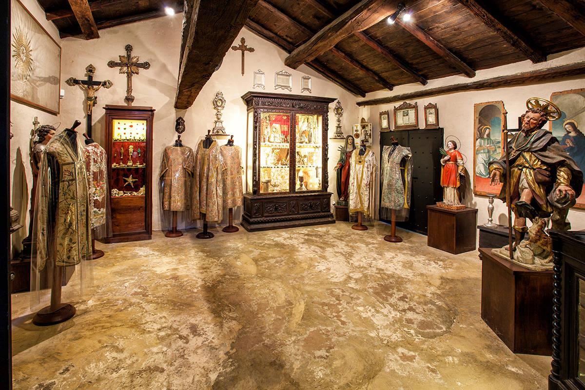 Sala di arte Sacra del museo del Castello di Rivalta